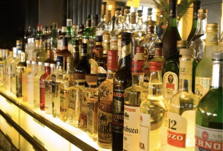 can tourists buy alcohol in doha